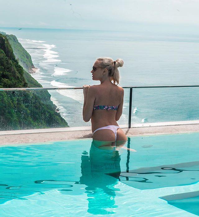 Beautiful view 🤗😻🌊☀️🏊🏽👙 #sienasummers👙 #Bikini