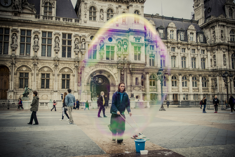 The Bubbleman of Paris