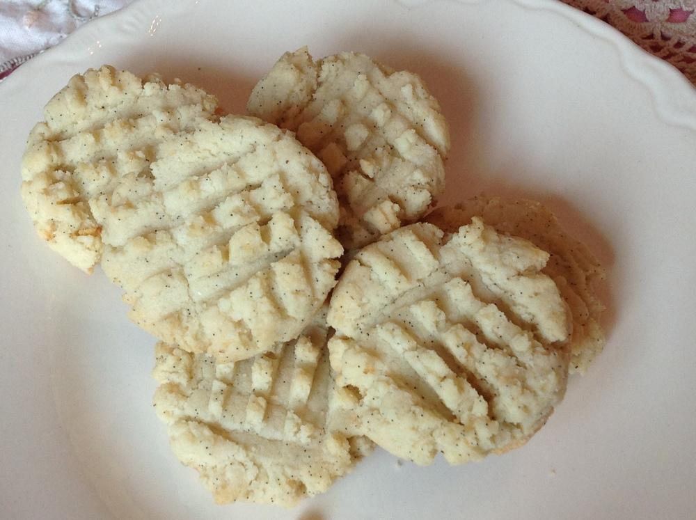Gluten free almond flour shortbread cookies