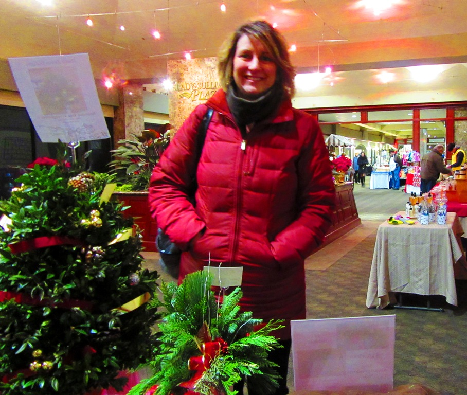 And here's Carrie, I'll have to say my customer of the day!!  She bought a log arrangement last week along with a smaller one and loved the log so much that she came to me today and ordered 3 more with similar decorations!  Wow!  Did that make me feel good.  Thank you so much Carrie and ................you look marvelous!!