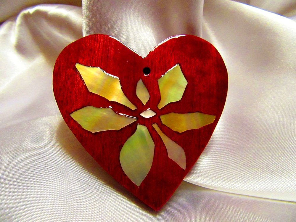 "3"" Purpleheart wood heart with Golden Mother-of-Pearl poinsettia inlay"