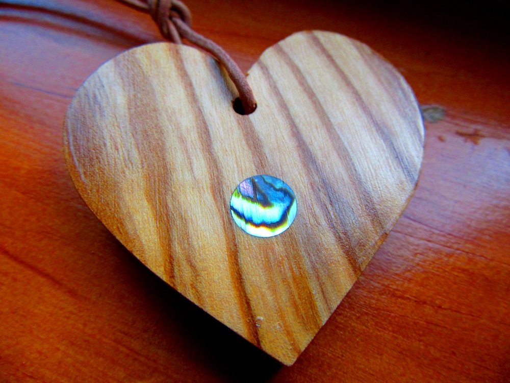 Olivewood heart with Abalone dot inlay