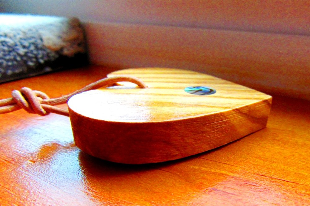 Olivewood heart side grain