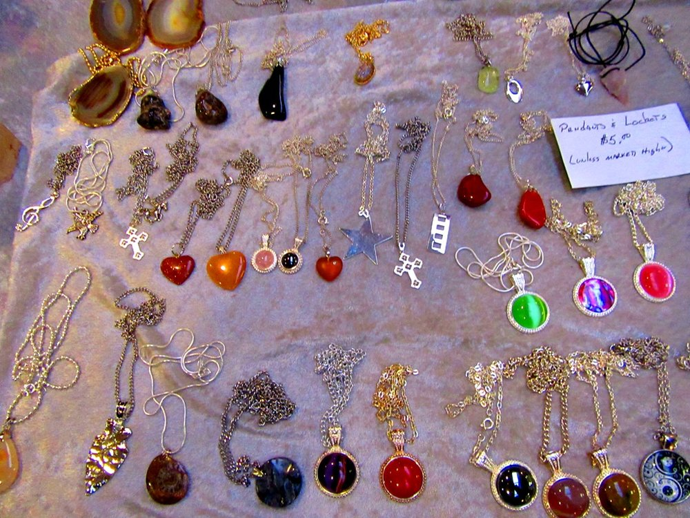 Three Daughters Jewelry & Gifts