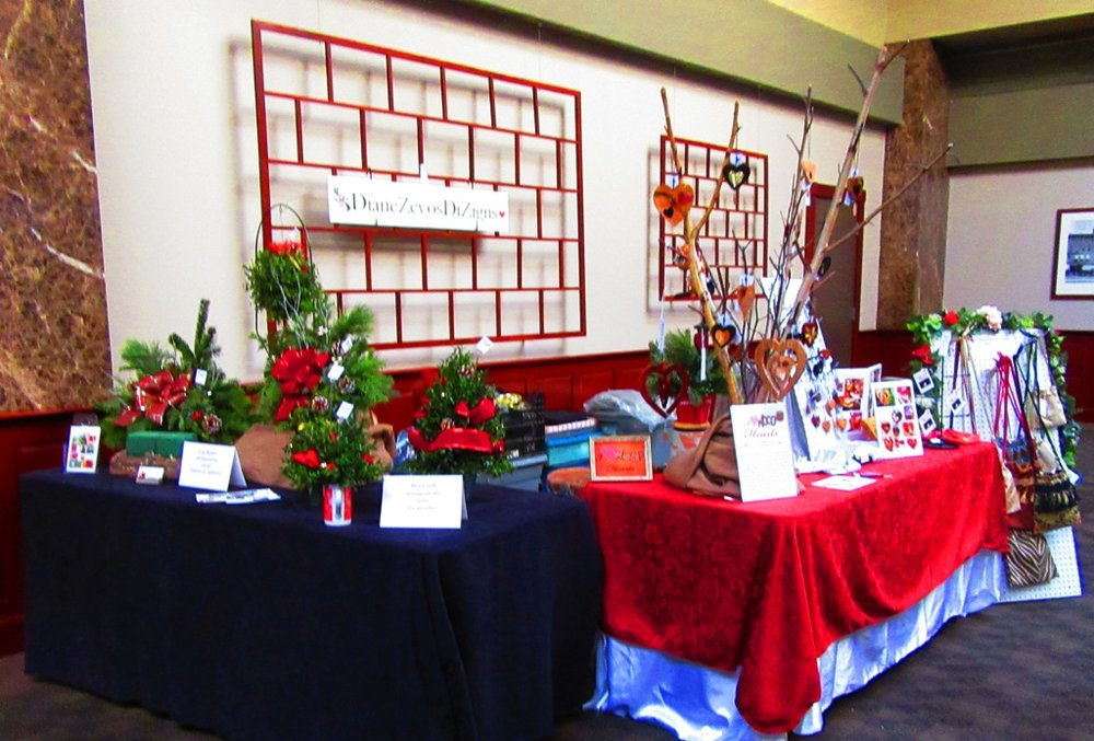 DiZigns booth
