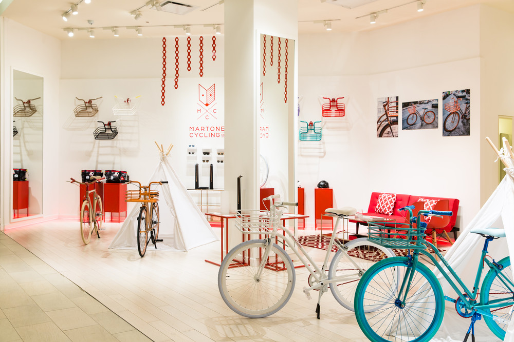 you-can-now-get-your-wellness-fix-at-saks-fifth-avenue-the-wellery-saks-popup-5910e7be05541b203598ff2e-w1000_h1000.jpg