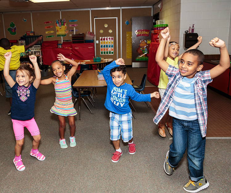 McKendree_KinderCamp-76_dancing_web150.jpg