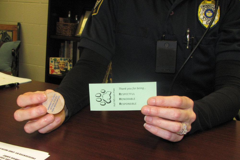 Hull-coin and card.jpg