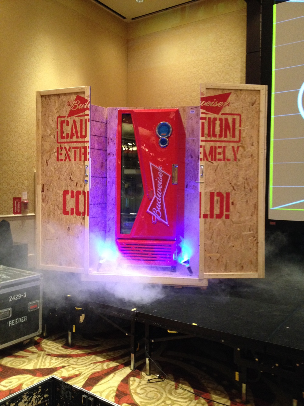 Fridge crate display - Labatt