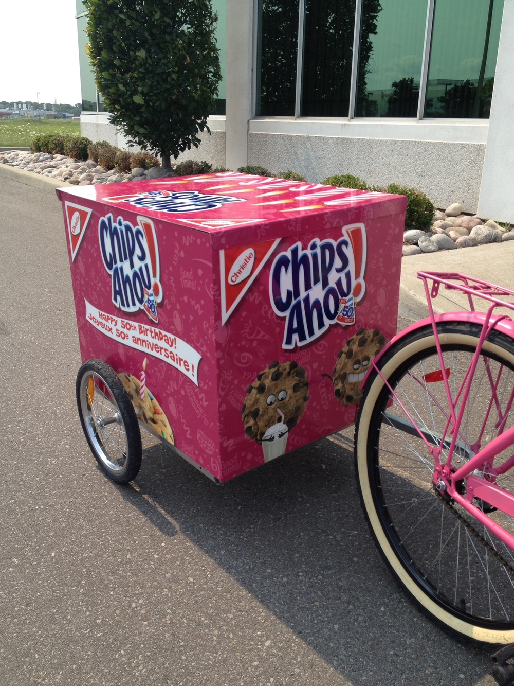 Chips Ahoy bike trailer wrap