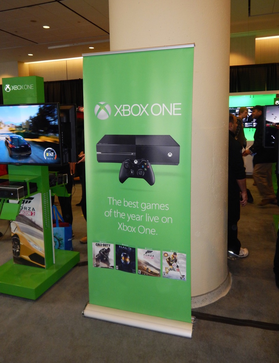 Roller Retractable banner - Xbox One