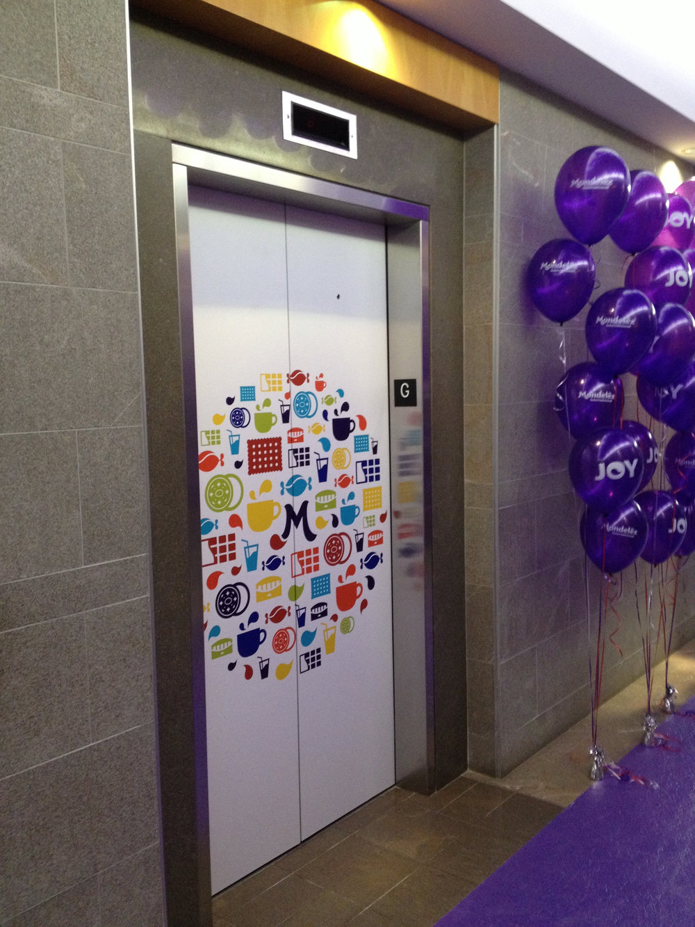 Elevator door graphics - Mondelez