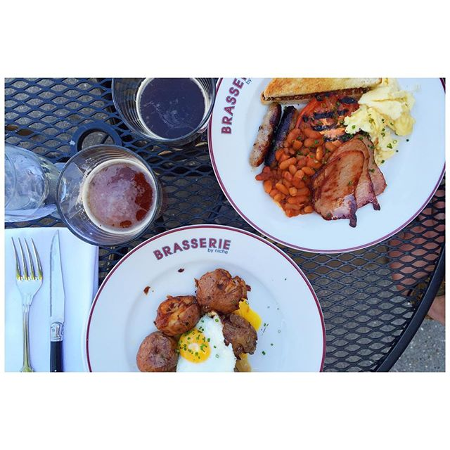 @thecivillife beer brunch at Brasserie. Brunching English style. // @nichefoodgroup #midwestblogger #lifestyleblogger #midwest #stl #eatlocal #foodblogger #foodie