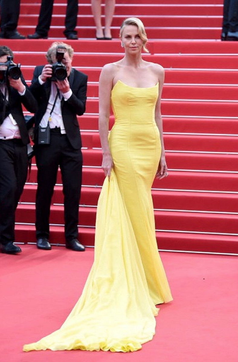 Charlize Theron in Dior looked amazing, and so unexpected, pale and blonde in yellow.