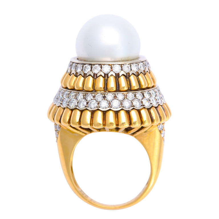Pearl, diamond and gold ring Van Cleef & Arpels