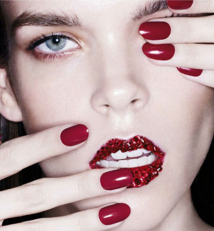 red-lips-and-nails-look.jpg