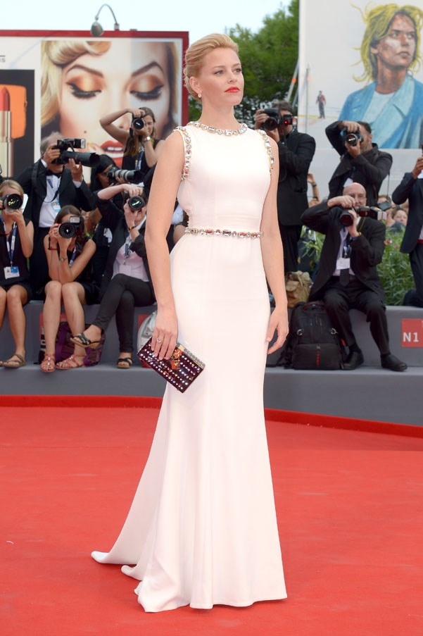 Elizabeth Banks in Dolce & Gabbana                                                                            Getty Images