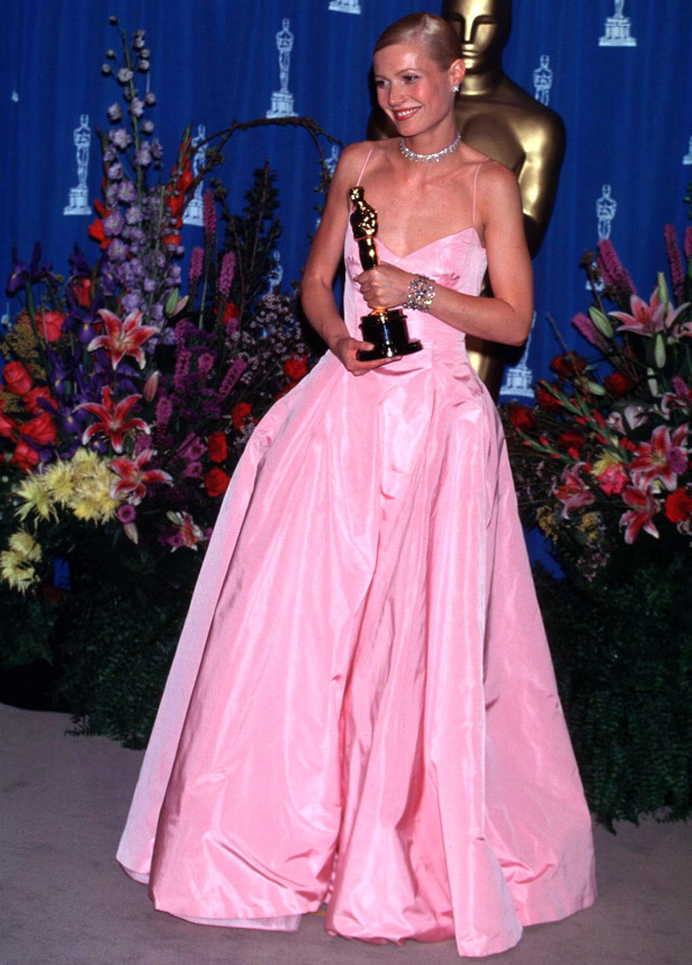 1999, Gwyneth Paltrow in Ralph Lauren, not my favourite by far, but it was a perfect Grace Kelly look for her.