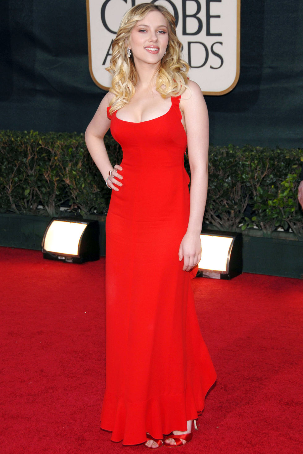 Scarlett Johansson, in 2006, wearing Valentino, the epitome of the classic red Valentino gown.