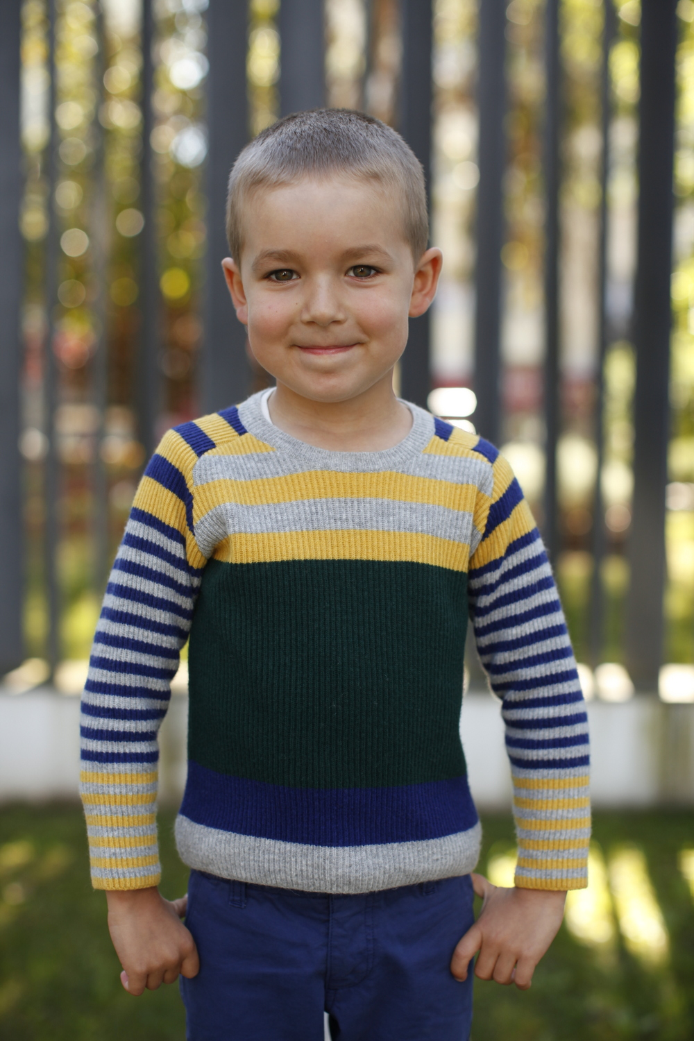 green and grey knot knitted sweater 1.JPG