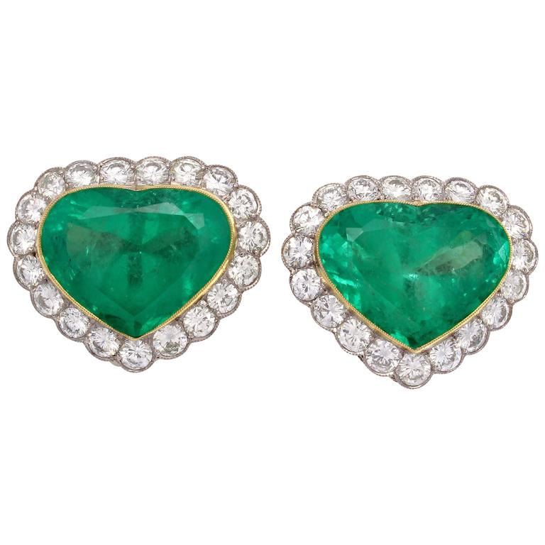And last but not least, emerald diamond earring set in platinum, in my gem of a colour, green.