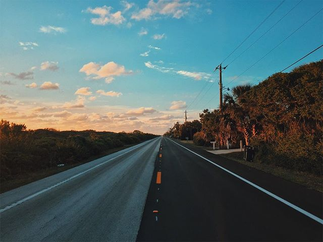 Throwback to Florida last year ✨ #rundownmagazine #burnmagazine #fotografiamagaz #myfeatureshoot #odtakeovers #somewheremagazine #noicemag #gupmagazine #letsgosomewhere #helloicp #rentalmag #fotomobile #fotographia #oftheafternoon #paperjournalmag #wanderfolk #exploreeverything #finditliveit #silvermag #awesupply #dazedandexposed #fujifeed #photographersoninstagram