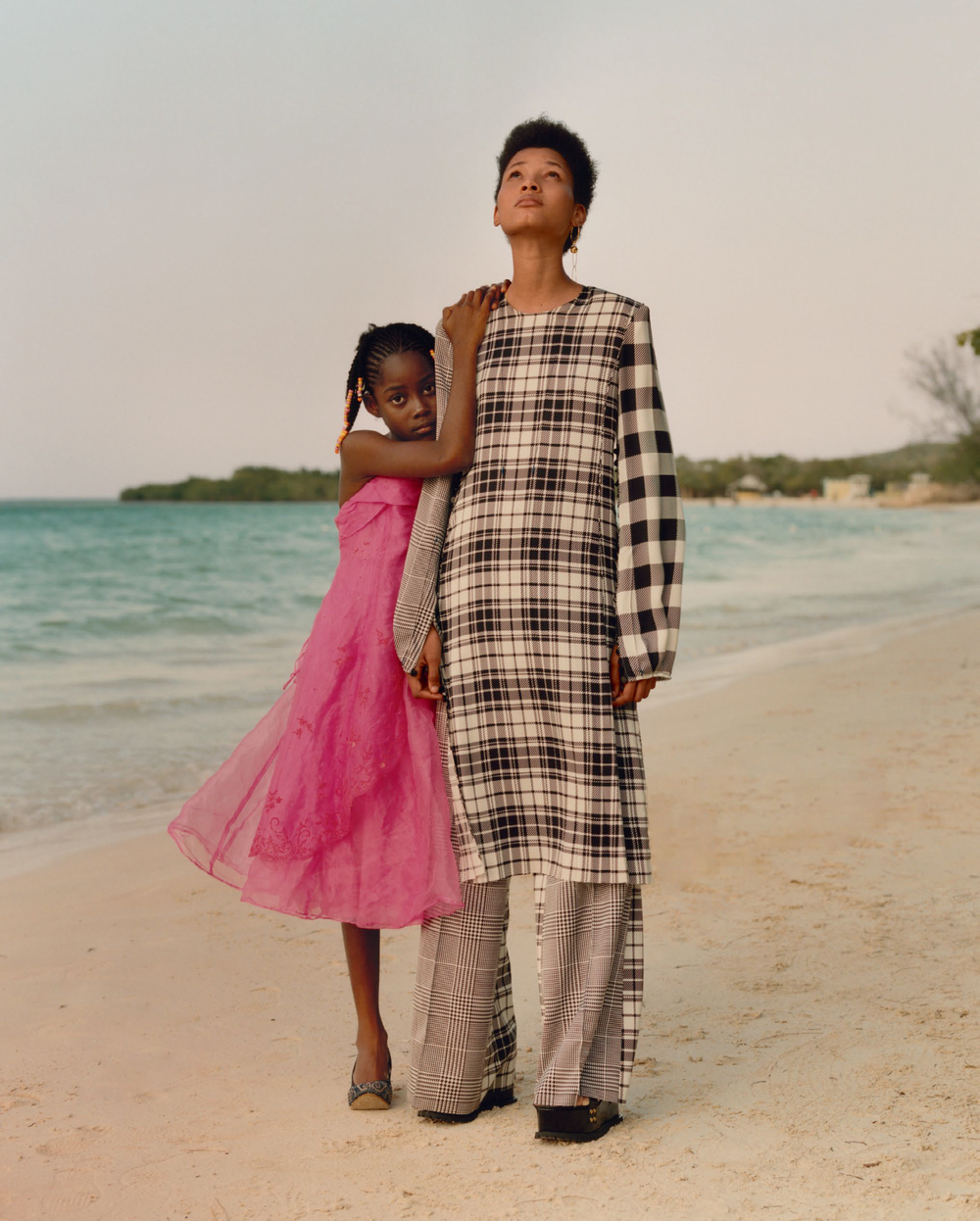 LINEISY-MONTERO-AND-TAMI-WILLIAMS-BY-JAMIE-HAWKESWORTH-FOR-VOGUE-US-JUNE-2016-6.jpg