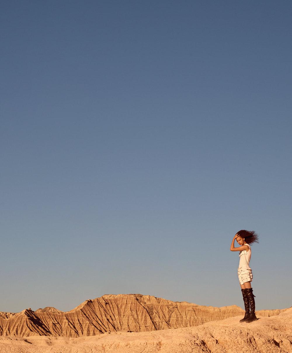 SELENA-FORREST-AND-LUISANA-GONZÁLEZ-BY-KARIM-SADLI-FOR-T-MAGAZINE-NOVEMBER-2016-1.jpg