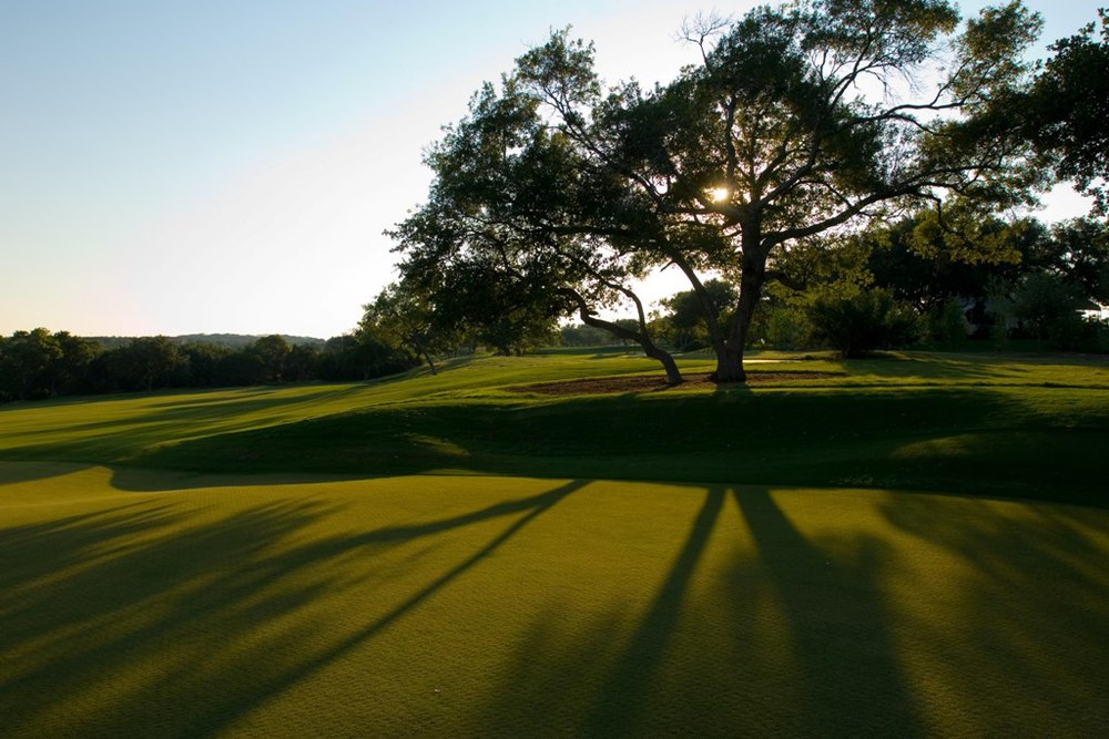 Spanish-Oaks-1-Golf-Course-with-Tree.jpg