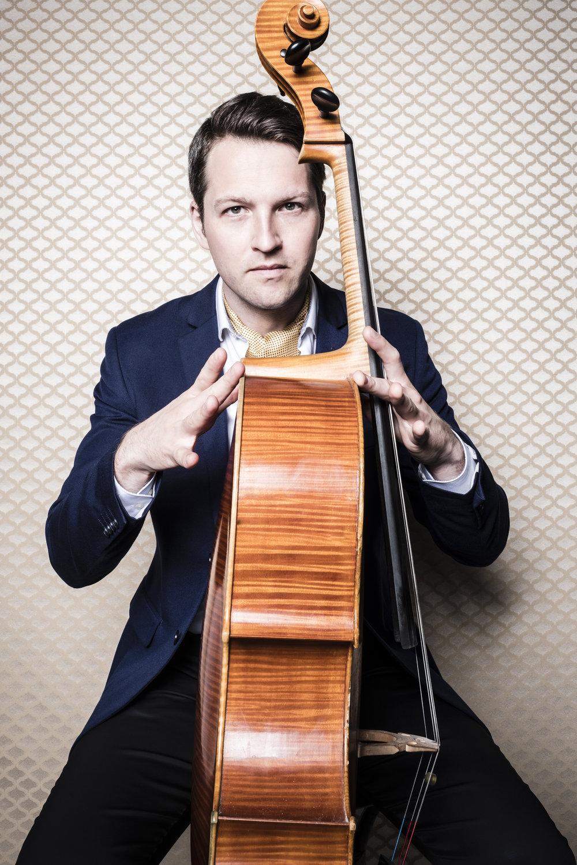 Adrian Daurov, cellist