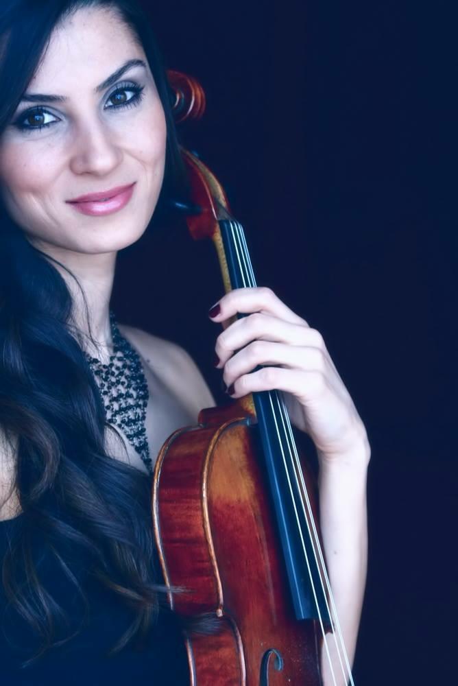 ezgi icellioglu, violist