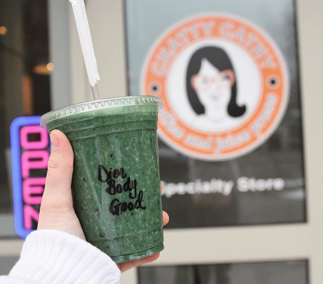 Head over to Chatty Cathy's to get yourself our fashion week specials— the Dior Body Good Smoothie + Breakfast at Tiffany's açaí bowl! 😍💚