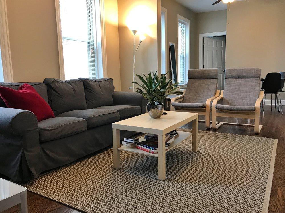 Livingroom 1.jpeg