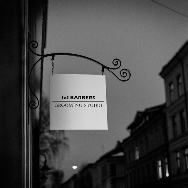 Barbers do not only perform shaves, we do make haircuts but also beard trims. Come and visit 👉🏻@1o1barbersnorge  #lordjackknife #hair #hårklipp #haircut #beard #skjegg #shave #barbering #barber #barbere #barbershop #barbersalong #norge #oslo #1o1barbersnorge #mensfashion #menshair #menwithstyle #mensgrooming 📸: @benediktwalther