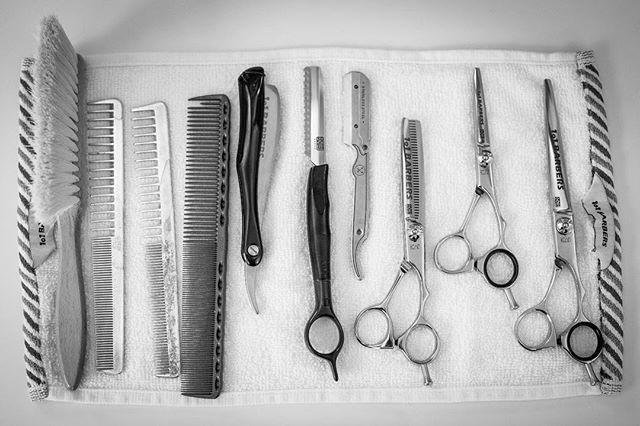 Tool set #lordjackknife #1o1barbers #barbershop #oslo #norge #mensfashion #menshair #mensgrooming #haircut #beard #shave #hårklipp #skjegg #barbering #hair #frisøroslo 📸: @benediktwalther