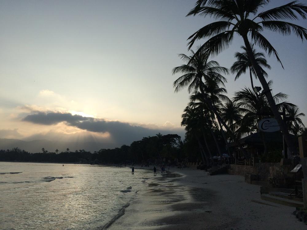 Apusul pe plaja Chaweng