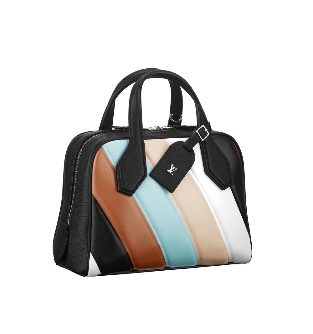 Geanta din piele, Louis Vuitton, 19.300 lei
