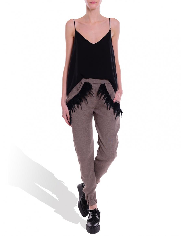 Pantaloni cu aplicatii din pene, Mihaela Gherlan, molecule-f.com, 300 lei