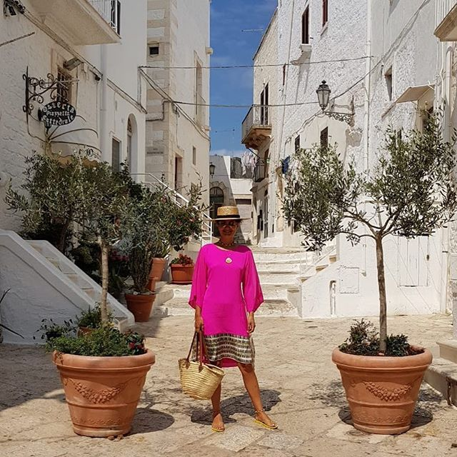 Color splash in the white city😂 #ostuni #lacittabianca #puglia