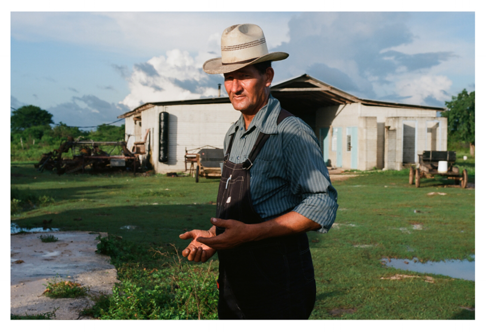 Mennonites. Photo by Theo De Gueltzl    Text on the Mennonite Community