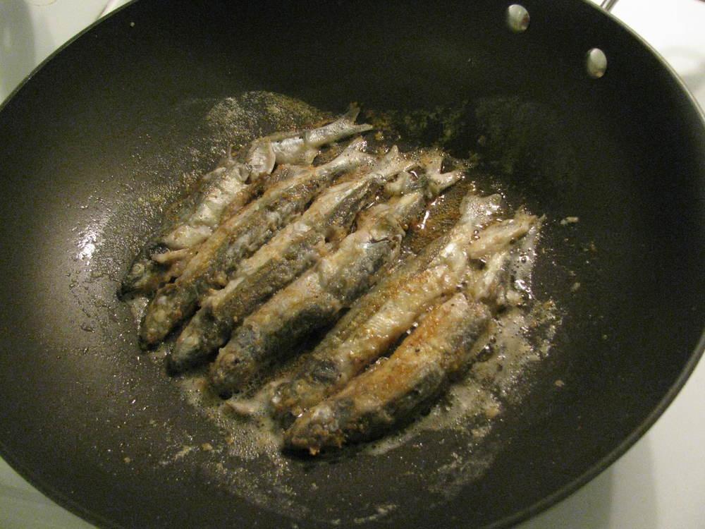 Frying capelin