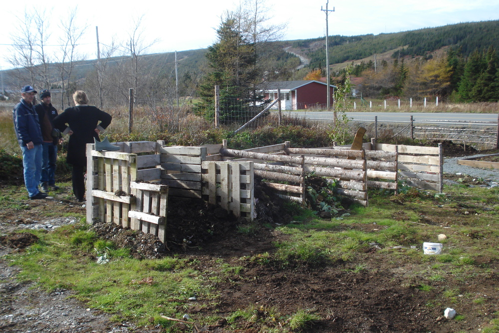 - Backyard Compost Bin Patterns & Choosing A Bin — Food First NL