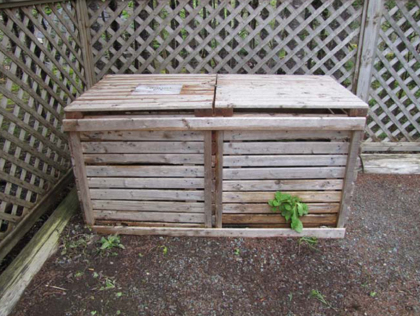 This ... - Backyard Compost Bin Patterns & Choosing A Bin — Food First NL