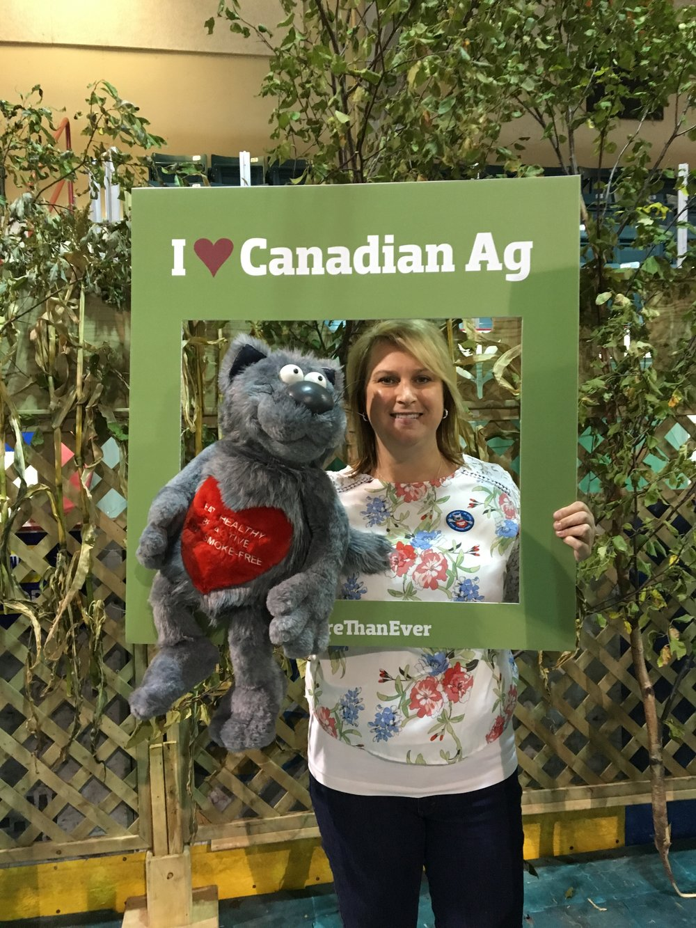 jill with Ticker at Ag event.jpg