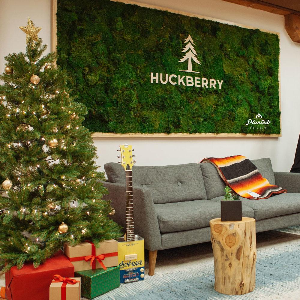 Huckberry  - Moss Wall