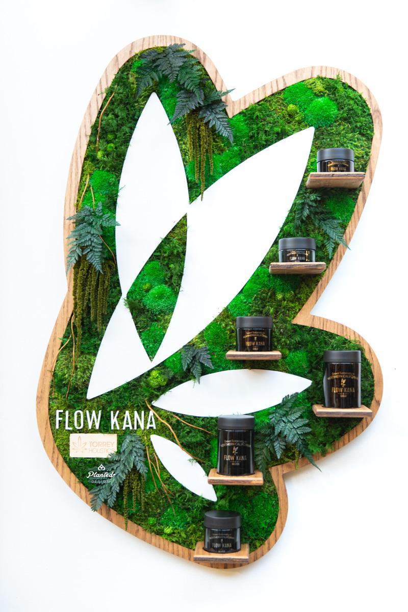Flow Kana  -Moss Wall