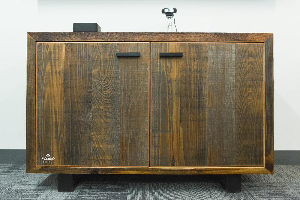 PlantedDesign_ConferenceTable_Credenza_ ForeFrontPower_SanFrancisco_ReclaimedWood_3607.jpg