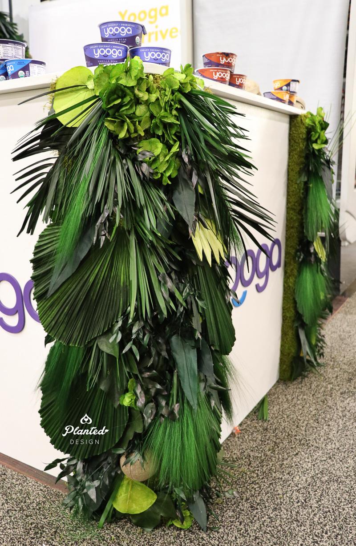 PlantedDesignYoogaTradeShowBoothLivingMossWallsAndTable_2.jpg