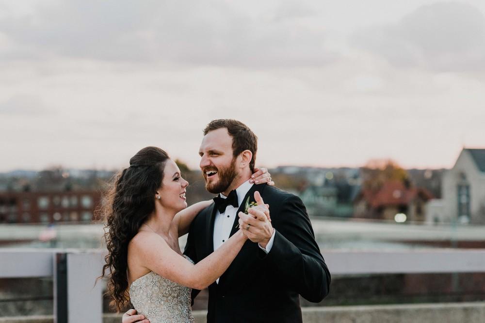 Sarah+Chuck-McKinley-Grand-Ohio-Wedding_Mallory+JustinPhoto-641.JPG