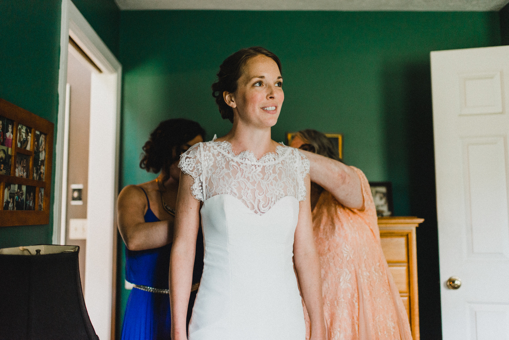 Intimate-Backyard-Farmhouse-Ohio-Wedding-Andi+Ben_Mallory+Justin-Photographers-46.JPG